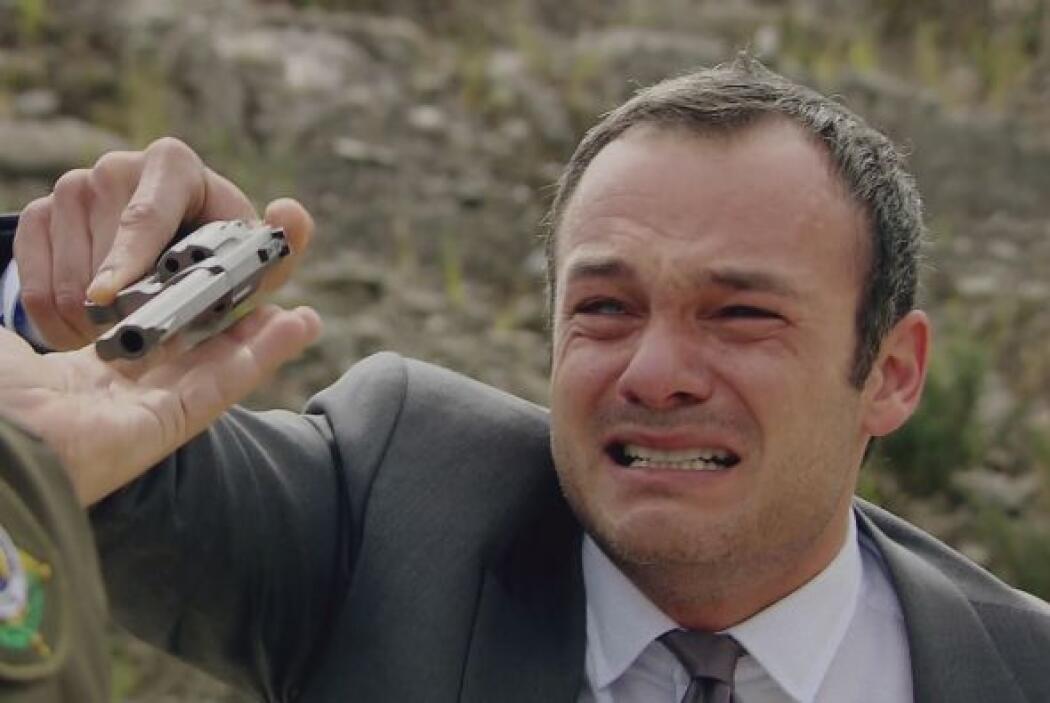 El señor Restrepo enloquece al escuchar que su hijo es asesinado y amaga...