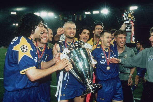 La Juventus volvió a levantar la 'Orejona' en 1996, ante el anter...
