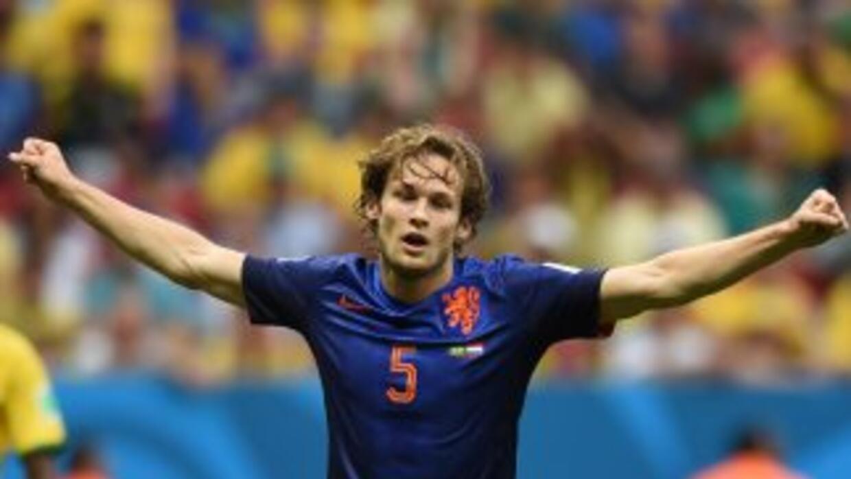 El holandés será diablo rojo por las próximas 4 temporadas.