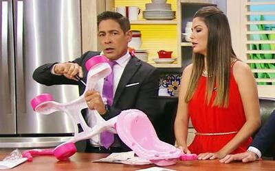 Llegaron los regalos para Baby Giulietta y Johnny quiere sorprenderla