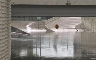 Lluvias causan inundaciones en Houston