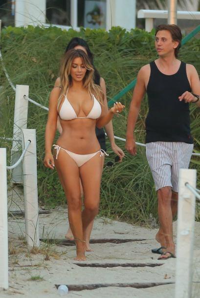 Un bikini blanco con el que nos dejó boquiabiertos. Mira aqu&iacu...