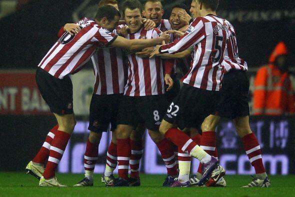 En el otro partido del día, Sunderland se metió a la casa...