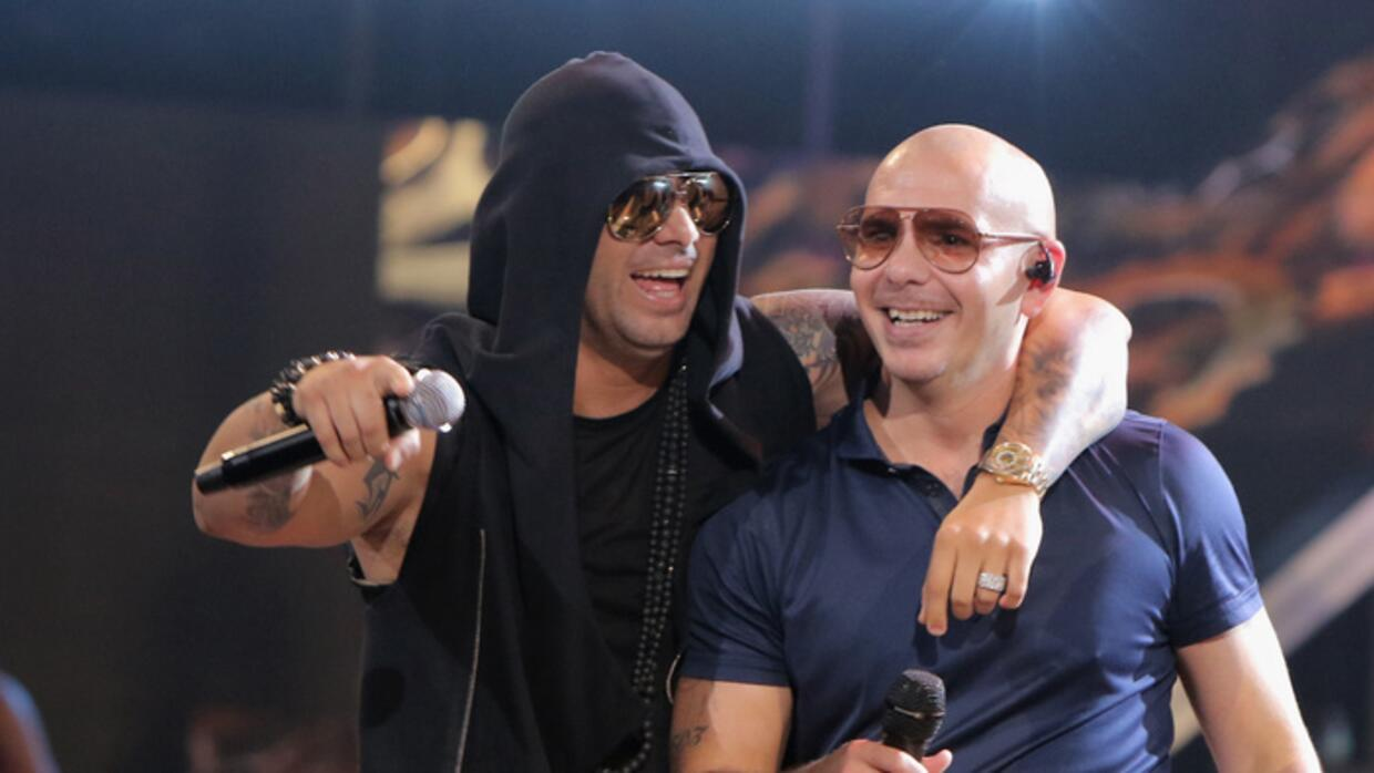 Wisin y Pitbull estarán en la final de La Banda