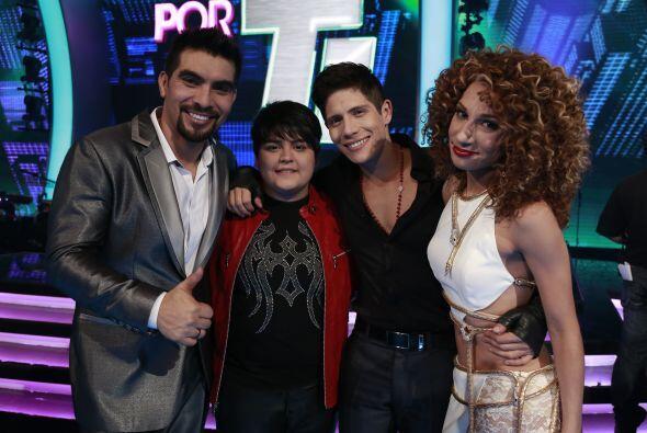 Joyce junto a Enrique, Stephanie y Fernando.