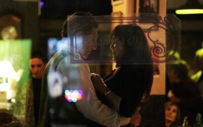 En el tango milonguero el abrazo es apretado.