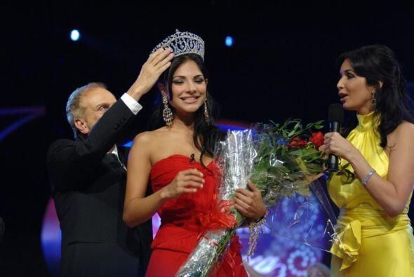Gracias al voto del público se coronó como la primera Nuestra Belleza La...
