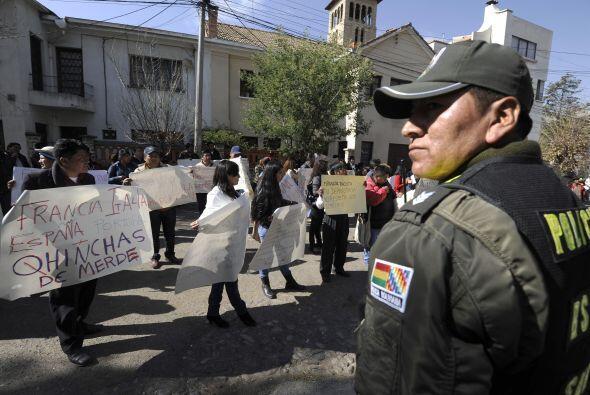 Un grupo policial acudió a la embajada francesa pero no pudo evitar los...