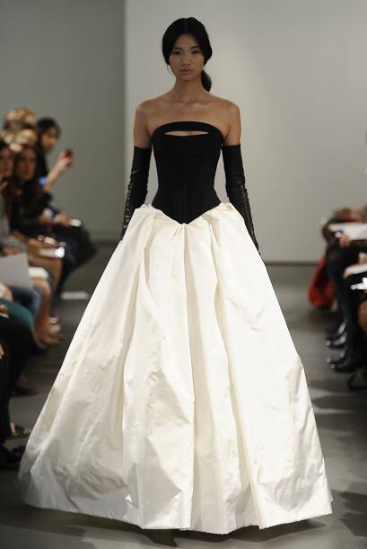 Vera Wang es una diseñadora estadounidense apegada a las tendenci...