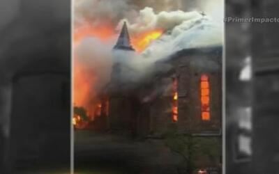 """Una iglesia arde en llamas en el día de la """"resurrección de Cristo"""""""