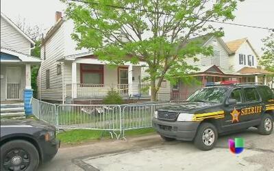 Victimas de secuestro en Ohio habrían pasado largo tiempo amarradas con...