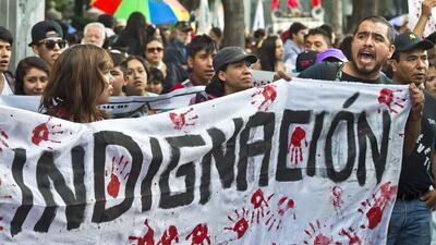 Mexicanos exigen al gobierno aclarar lo que pasó con los estudiantes des...