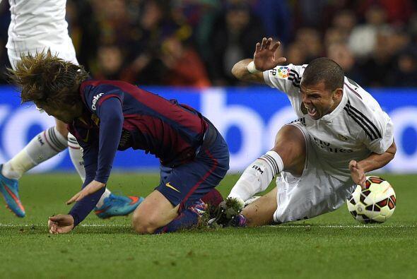 Tras el gol en contra el Real Madrid tomaría control del partido y del b...