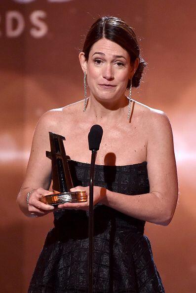 Después de que Gillian se llevara el premio y dedicara unas palabras, ll...