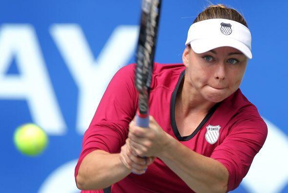 La sensual Vera Zvonareva también avanzó en el Torneo de T...