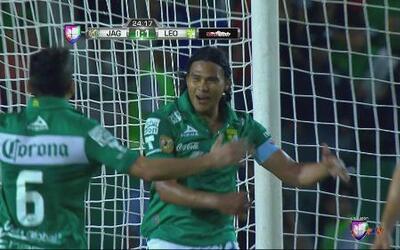 Jaguares vs León: Peña culmina una gran jugada anotando el primero para...