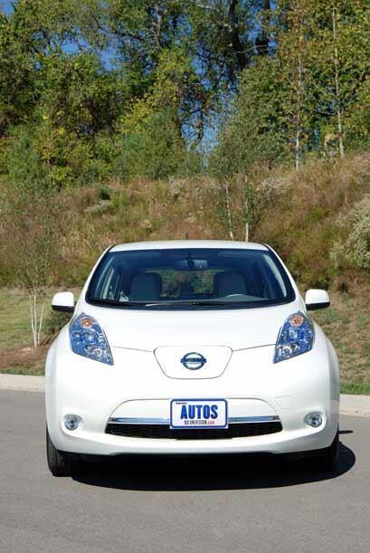 El Leaf 2011 es el primer auto totalmente eléctrico que una de las grand...
