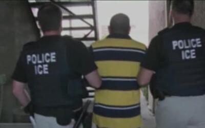 ¿Por qué no son deportados los inmigrantes antecedentes criminales?
