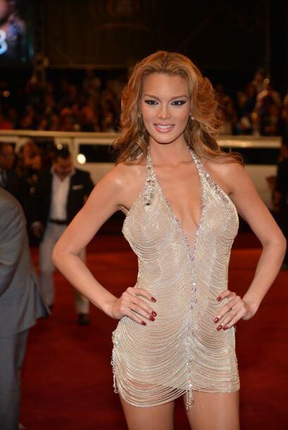 La ex Miss Universo se atrevió a usar el vestido con el que ganó el cert...