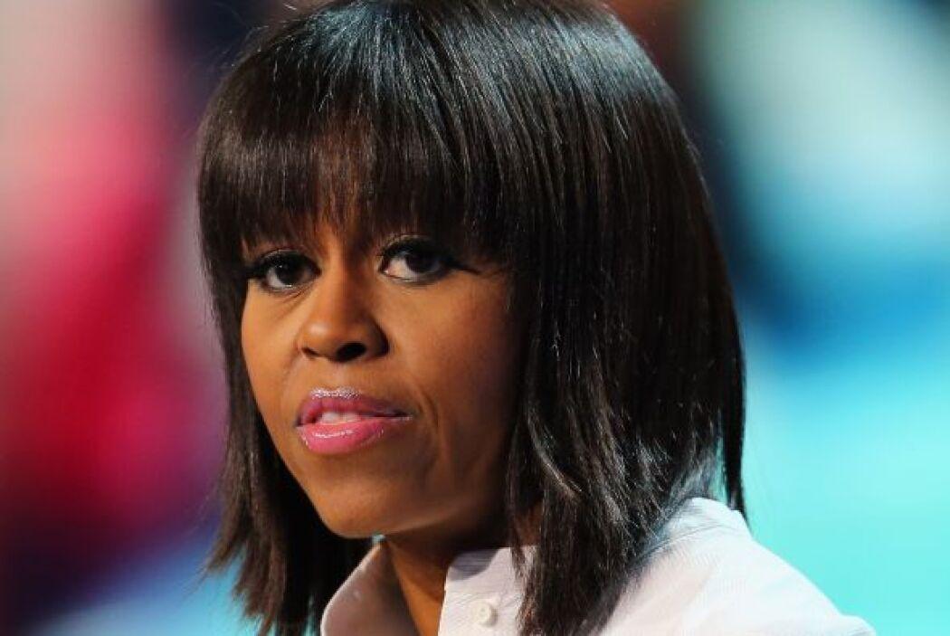 Sorprende como Michelle Obama agregándole un flequillo recto a tu greñit...