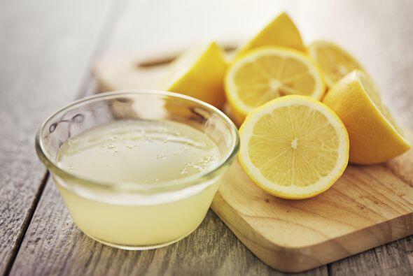 También1/2 vaso de jugo de limón, 2 tazas de azúcar...
