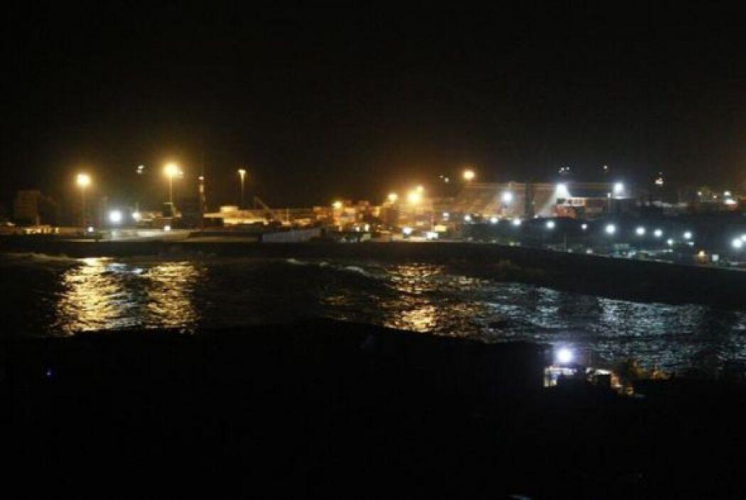Un canal de televisión mostró imágenes de algunas zonas inundadas de Iqu...