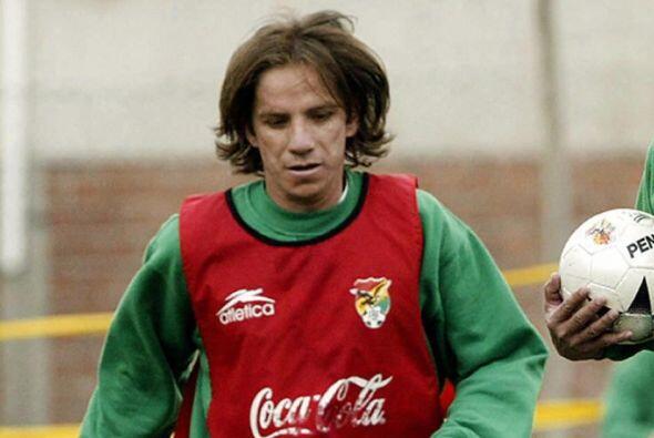 El Boliviano Luis Cristialdo es que más edad tiene. Va camino a los 42....