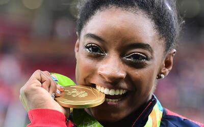 Simone Biles a sus 18 años consiguió 5 medallas en los Juegos Olímpicos...