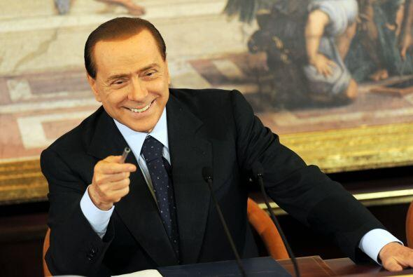 """Del primer ministro italiano Silvio Berlusconi se detallan sus """"fie..."""