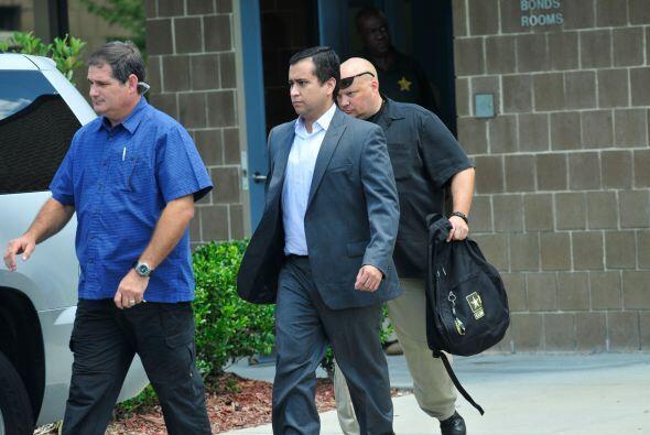 6 de julio de 2012. George Zimmerman sale en libertad condicional tras h...