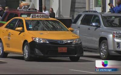Taxistas de Chicago le declaran la guerra a Uber y otros independientes