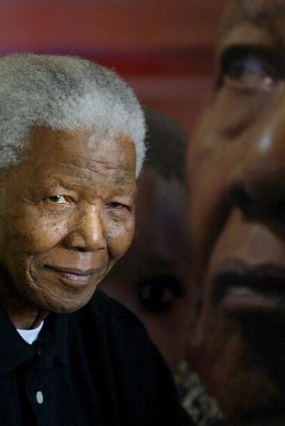 8 de diciembre de 2012: Ingresa en un hospital de Pretoria, en el que pe...