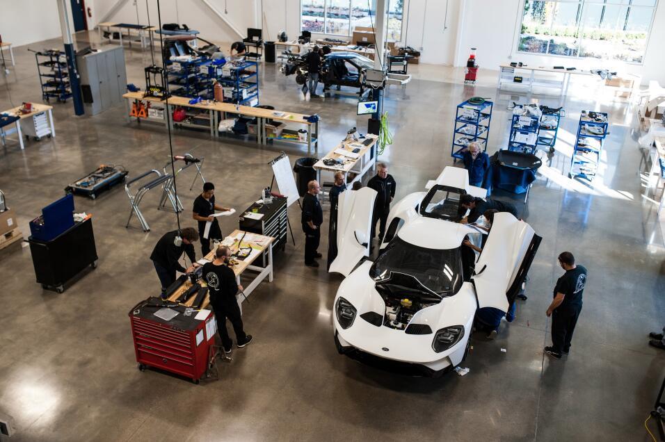 ¡Justo a tiempo para Navidad! Ford inicia la producción del GT 2017 MNV_...