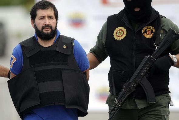 """""""El Loco"""" Barrera, de 43 años, fue capturado mientras hacía una llamada..."""