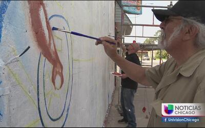Comienza la restauración de un mural para los latinos
