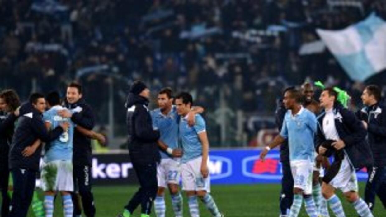 Los jugadores del Lazio celebran su triunfo sobre Juventus en semifinales.