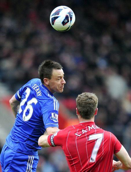 Ni el gol ni las ganas del polémico Terry salvan al Cheslea, que...