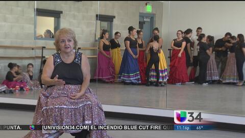 Folklor mexicano vive en los pasos de la abuela