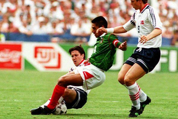 México regresó a mundiales en Estados Unidos 1994 tras no disputar la Co...