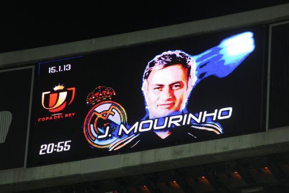 Cuando se anunció el nombre de Mourinho, la dar las alineaciones, se sin...