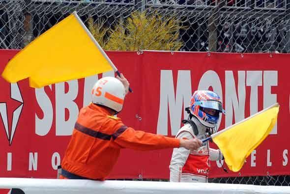Button se fue caminando a los 'pits' luego de la falla mecánica d...