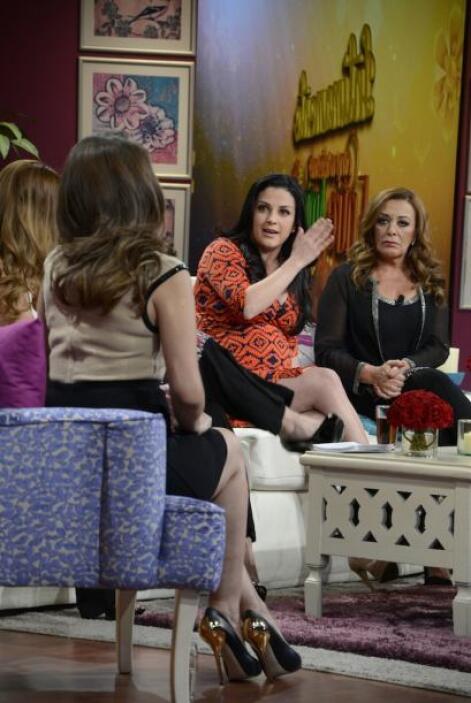 Pero, llegó el turno de la cantante Lidia Ávila, quien con lágrimas, com...