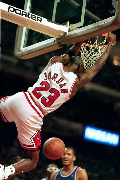 LIDER ANOTADOR - Michael Jordan 10 - Kobe Bryant 1