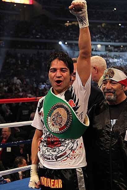 El puño en alto para una promesa del boxeo que ha demostrado que está pa...