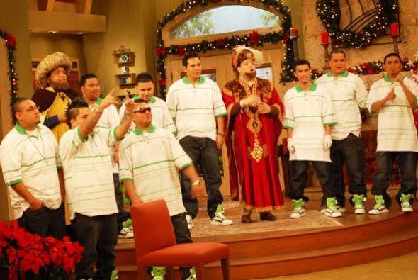 LLegaron a alegrar el programa y cantaron para todos los niños.