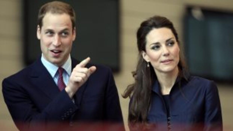 William y Kate se reunieron con las autoridades locales para asistir a d...