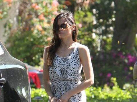 Encontramos a Jenna Dewan de paseo.  Mira aquí los videos m&aacut...