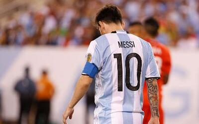 "Messi: ""It's over for me with the national squad"""