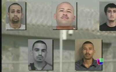 Autoridades buscan a prófugo de una cárcel de California