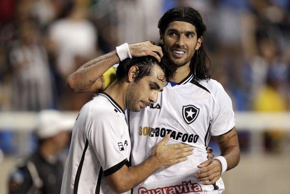 En tanto Botafogo, por el torneo vencióa l campeón Fluminense por 3-2.